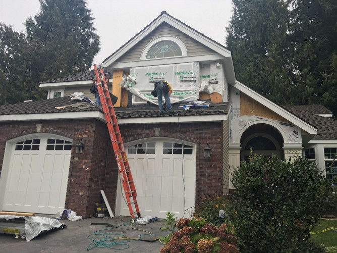 Woodinville James Hardie Siding Installation image