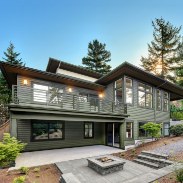 Image Of MAS_Western-Extreme_Scottish-Thistle_-Modern-Istock-House_Ext_Siding-Edited-True-Parallel_001_0120 (1)